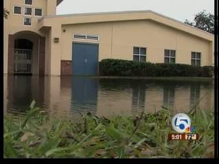Osceola Magnet School in Vero Beach experiencing flooding