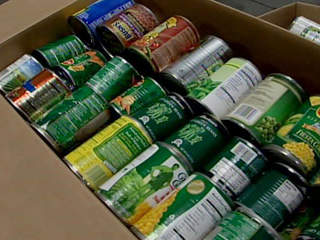Students collect canned goods for needy