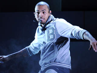 chris_brown_20120224060943_JPG