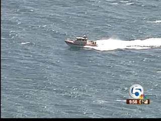 At least 2 rescued after boat capsizes near Lake Worth Inlet