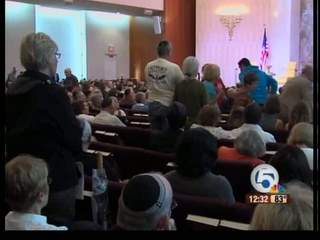 Protest at Boca Raton synagogue