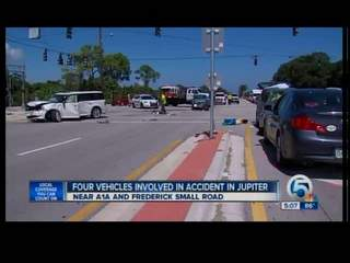 4 vehicle-crash in Jupiter