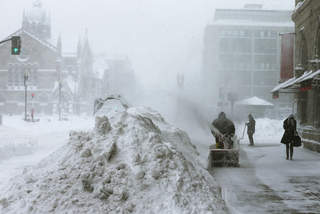 Massive blizzard 'Nemo' blankets the northeast
