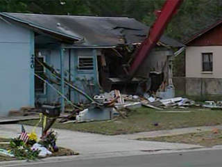 Sinkhole_house_demolition_368550000_JPG