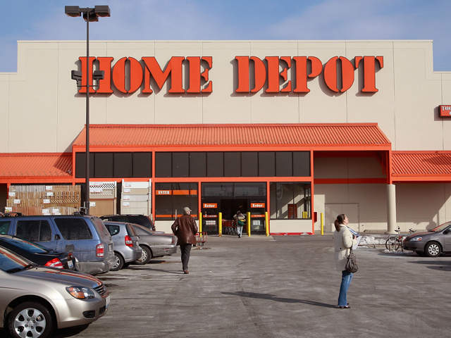 Home Depot Arm Saw Incident West Covina California Man Slices Arms With Saws In Front Of