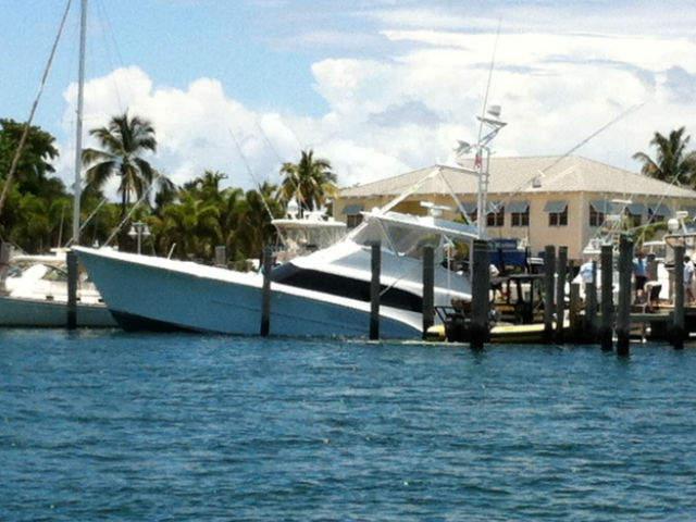 Boat slams into dock for Sailfish marina