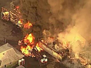 Chopper 5: Massive warehouse fire