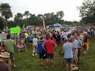 WPTV algae protesters phipps park