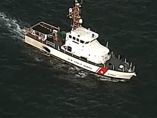 6 rescued from sinking boat off of Lake Worth