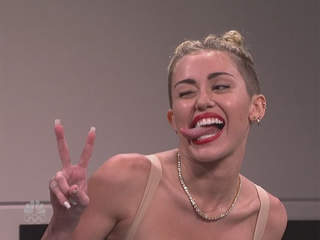 WPTV-Miley-Cyrus-on-SNL_20131006102516_3