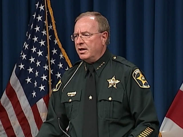 Florida sheriff threatens arrests for fugitives who go to Hurricane Irma shelters