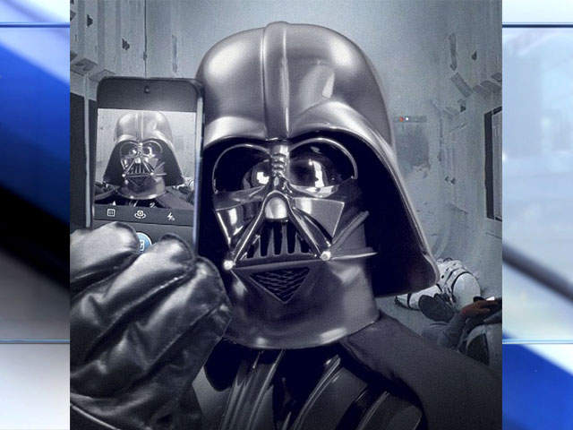 Star Wars on Instagram: Darth Vader 'selfie' launches ...