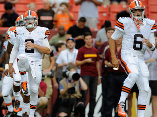 Hoyer gets starting spot over rookie Manziel