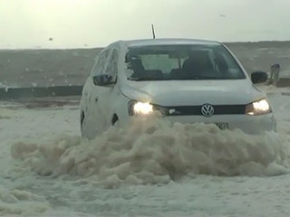 VIDEO: Sea foam covers coastal town