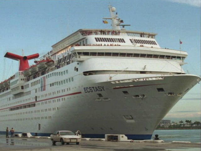 Woman, 32, reportedly seen falling off cruise ship near the Bahamas