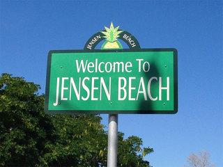 2 people shot outside Jensen Beach restaurant
