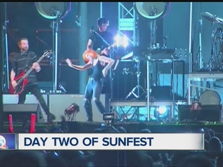 Day 2 of SunFest brings calm weather, crowds