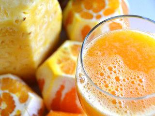 Babies should avoid fruit juice, doctors say