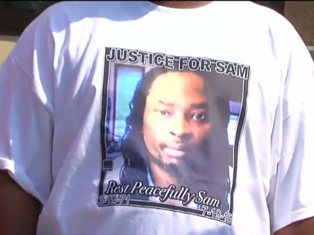 Sam_Dubose_T-shirt_worn_by_mouner_at_funeral_1438104635435_22065973_ver1.0_640_480_1438190379050_22089546_ver1.0_640_480.jpg (640×479)