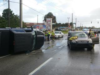 2 injured in Jensen Beach rollover crash
