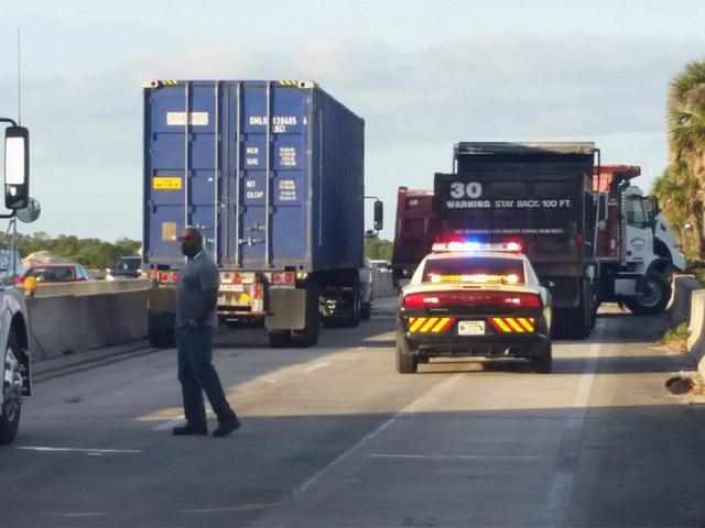 Crash closes I-95 NB lanes at Fellsmere