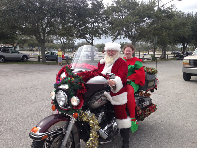 Bikers Toys For Tots : Bikers participate in toys for tots bike run wptv
