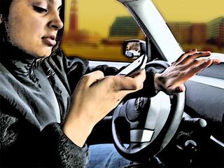 Renewed push to punish texting while driving