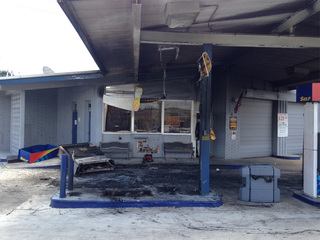Witnesses describe fire at Boca gas station