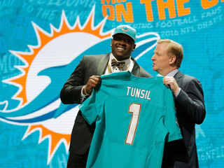 Tunsil feels better, has Fins news conference