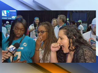 Dolphins fans react to Laremy Tunsil controversy
