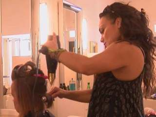 Salon giving food, haircuts to women in need