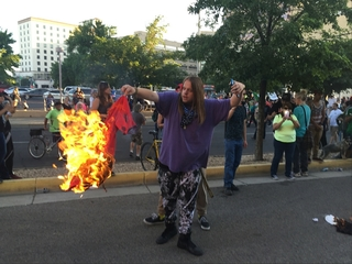 Protests turn violent outside Trump rally in NM