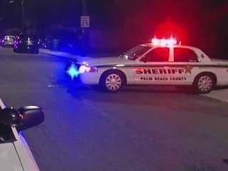 Man found shot in Lake Worth