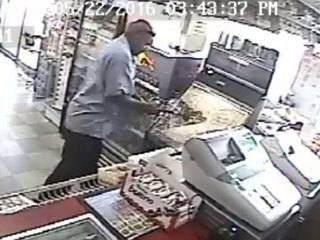 VIDEO: Angry customer smashes quarter game