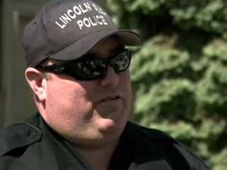 Cop delivers pizza after takeout driver hurt