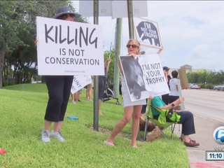 Bear hunt protest in Palm Beach Gardens