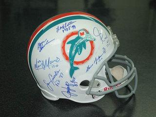 2 people claim 1972 Dolphins autographed helmet