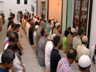 Local Islamic center hosts Ramadan sharing event