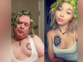 Dad comically trolls daughter in copycat selfies