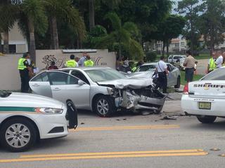 4 hurt in 2 vehicle crash in Palm Beach County