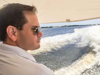 PHOTOS: Rubio tours algae on the Treasure Coast