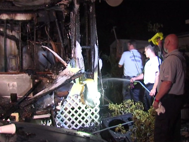 Overnight fire destroys mobile home in Lake Worth