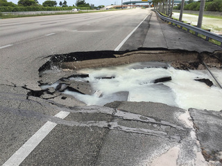Sinkhole closes SB Turnpike lanes in Miami-Dade