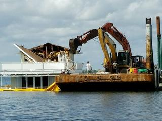 Sinking houseboat demolished off Singer Island