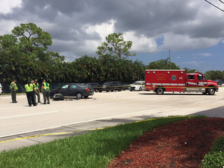 Motorcyclist dies in suburban Lake Worth crash