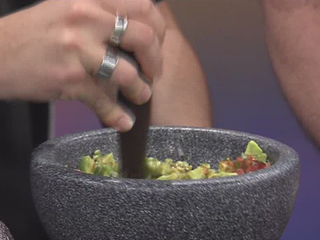 Calaveras Cantina's Guacamole Recipe (9/16/16)