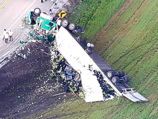 Semi crashes in Pahokee