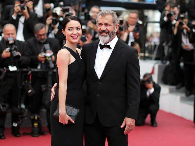 Mel Gibson, 60, expecting ninth child, first with girlfriend Rosalind Russell, 26