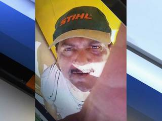 Suspected camera thief seen in close-up