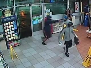 Clerk hurt when Boynton 7-Eleven robbed